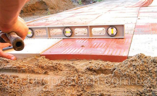 Техніка укладання тротуарної плитки на бетон
