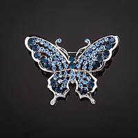 """Брошь Бабочка голубые и синие стразы  контурная цвет металла """"серебро"""" 3,6х4,8см"""