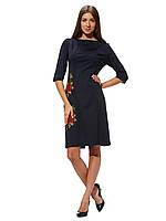 Черное трикотажное платье с вышивкой П107