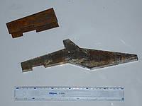 Зуб ковша погрузчика Т-156 с держателем