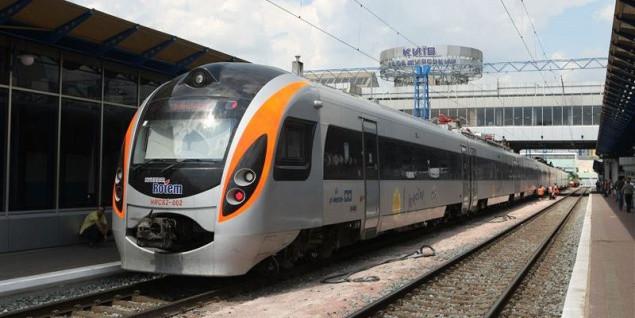 8 и 9 января между Киевом и Львовом будет курсировать дополнительный поезд