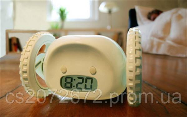 Убегающий будильник - часы будильник на колесах