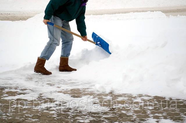 Уборка снега и уход за тротуарной плиткою