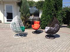 Кресла на опоре: на ножке, кресло-качалка, шар