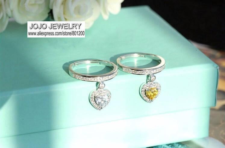 Кольцо серебрянное женское с подвеской в виде сердца в регулируемом размере