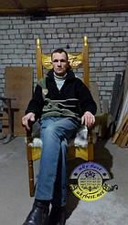 Кресло из массива дерева с вырезанными картинами ручной работы. 1