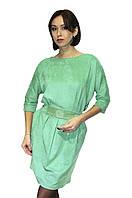 Женское платье, салатовое, по центру пояса - рисунок из впаянных стразов