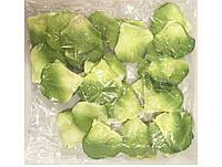 Искусственные лепестки роз зелено - салатовые двухцветные, 500-600 шт./уп.
