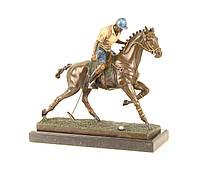Бронзовая фигура игрок в поло на коне