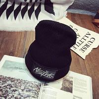 Модная женская трикотажная шапка NEW YORK черного цвета