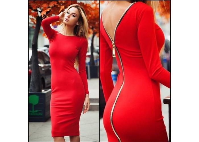 Платье с оголенной спинкой модное