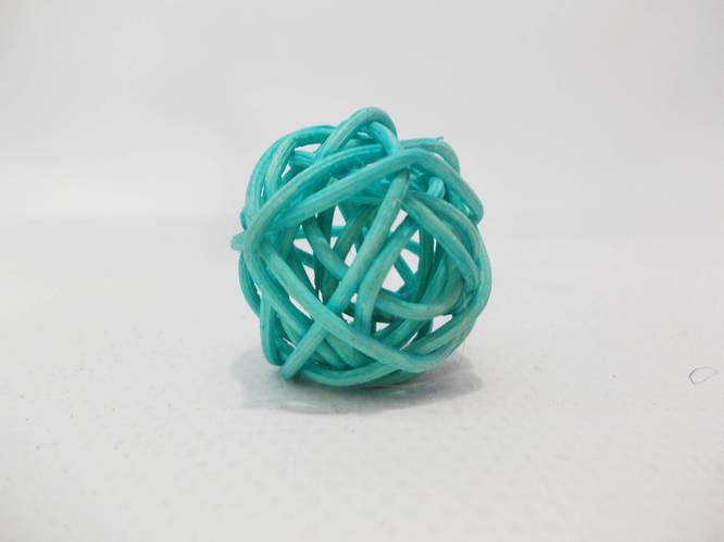 Шар плетенный из ротанга 3 см голубой