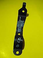 Кронштейн переднего стабилизатора правый R Mercedes w201 1982 - 1993 A2013235940 Mercedes