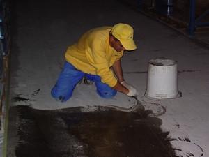 Обеспыливание бетонного пола КЕ «Hobby 221»