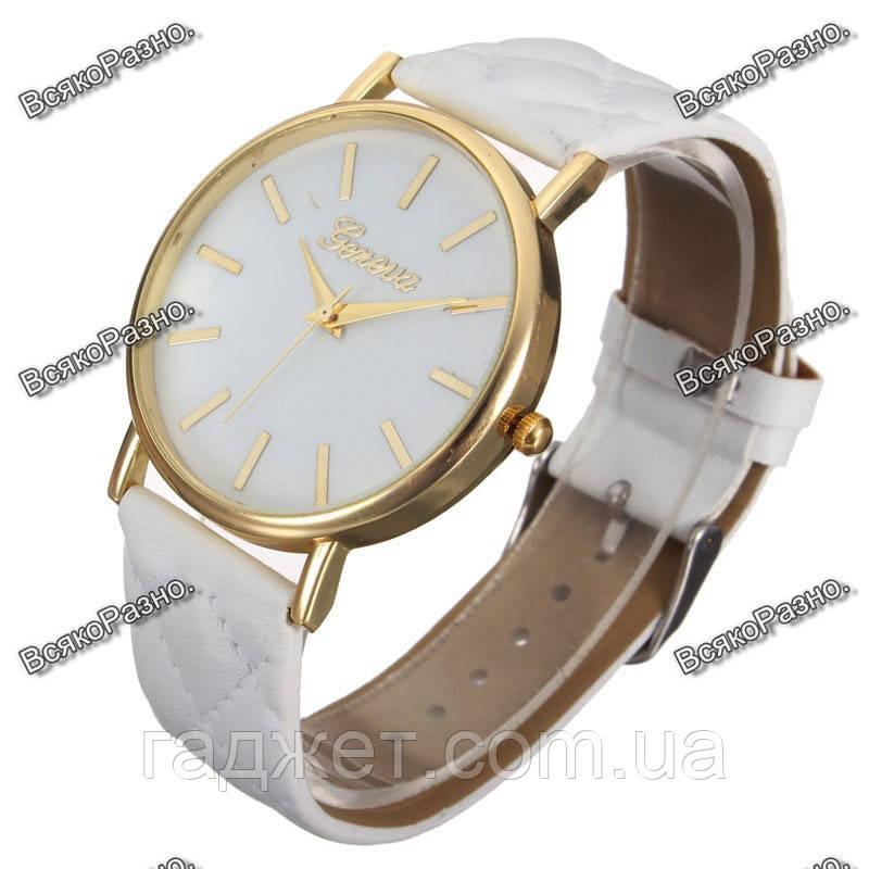 Женские часы Geneva белого цвета.