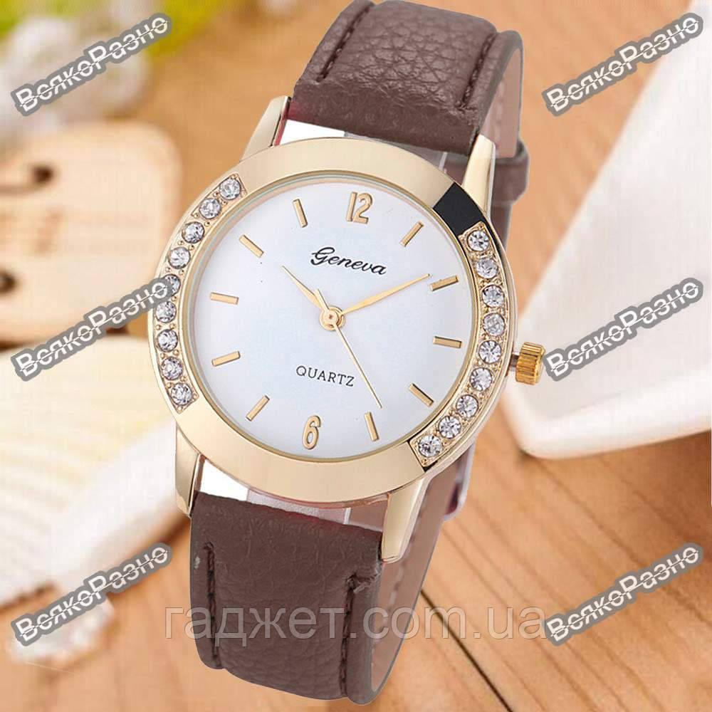 Женские часы Geneva Relojes Mujer коричневого цвета.