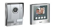 Видеодомофон с цветным дисплеем 3,5'' Legrand 369100 (комплект)
