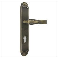 Дверная ручка на планке ЭТРУСКА, бронза вестерн