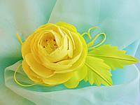 Брошь желтая роза из ткани