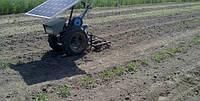 Фермер сконструировал мотоблок, работающий от энергии солнца