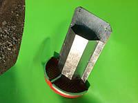 Бункерная кормушка из оцинкованой стали для кроликов