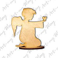 "Фигурка на подставке ""Ангел с сердцем"""