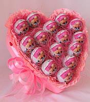 Сердце из шоколадных яиц  Kinder surprise