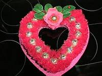 """Торт-сердце из конфет """"Для любимой"""""""