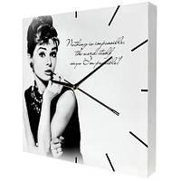 Часы настенные с принтом Одри Хепбёрн