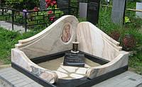 Мемориальный комплекс из мрамора
