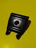 Кронштейн стабилизатора (пластина) Mercedes r129/w210/w124 /w202/c208 A1243230025 Mercedes
