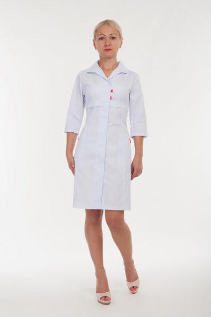 Женский медицинский халат до колен на пуговицах