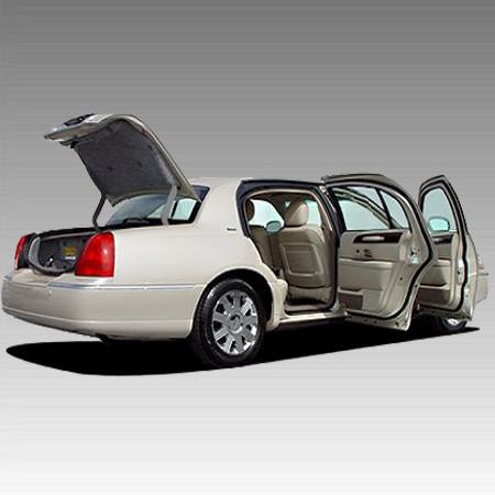 Аварійне відкриття багажника, розтин бензобака в Харкові