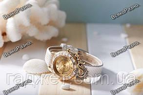 Стильные женские часы Kim Seng с подвеской в виде лебедя белого цвета., фото 2
