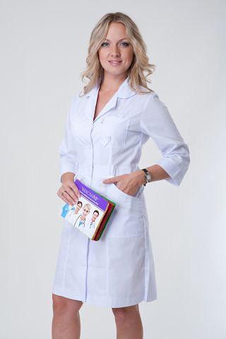 Полуприталенный медицинский халат на пуговицах. Опт и розница