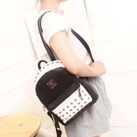 Стильный маленький рюкзак с заклепками 28035