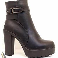 Женские черные ботильоны на широком каблуке