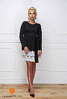 Платье мини черное с белым кружевом, длинный рукав.