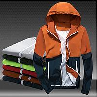 Стильная куртка - ветровка с капюшоном двухцветная. Производства Украина