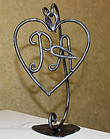 Сердца кованые на подставке с Вашими инициалами
