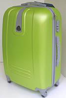 Чемодан дорожный на колесах: пластиковый, среднего размера цвет яблоко