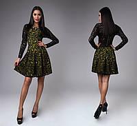 Платье модное с узорами