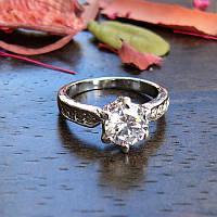 Женское кольцо с фианитом 16 размер