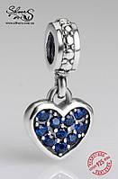 """Серебряная подвеска-шарм Пандора (Pandora) """"Синее висящее сердечко"""" для браслета"""