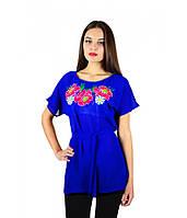 Вышитая женская рубашка синяя с малиновыми цветами М-311-4, фото 1