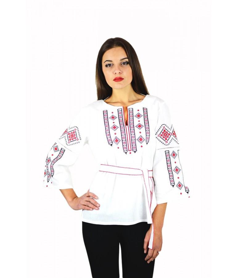 Вышитая женская рубашка с красной вышивкой «Традиция» M-211-5