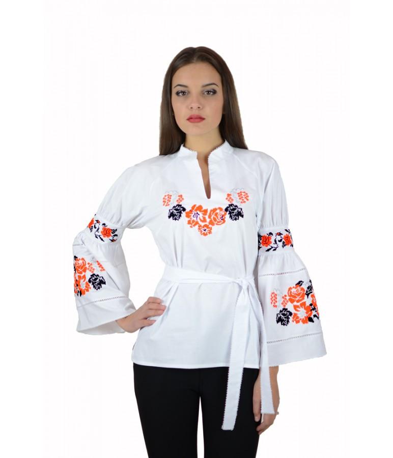 Вышитая женская рубашка белая «Красные розы» M-220-3