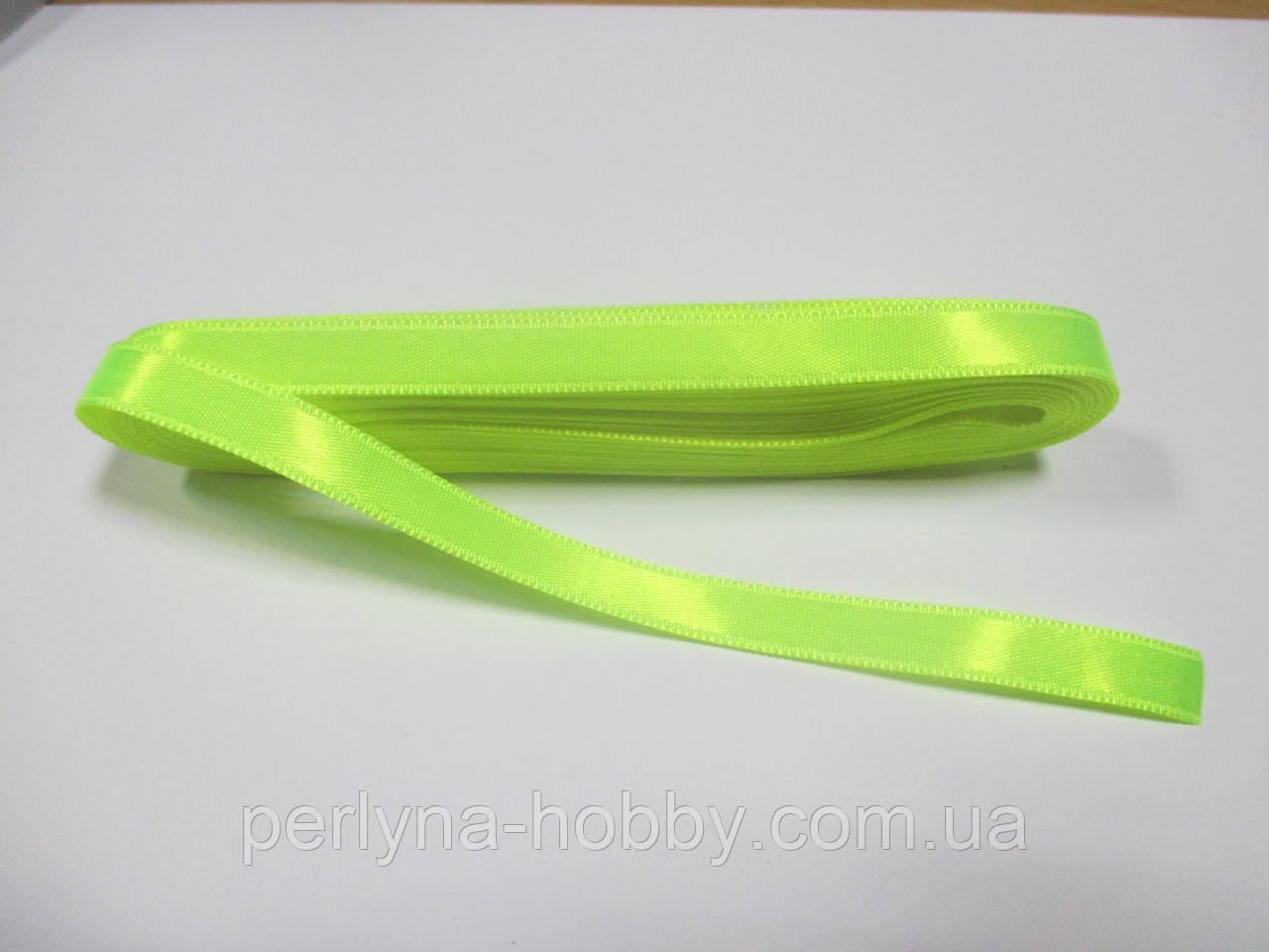 Стрічка атласна  двостороння 1 см ( 10 метрів) яскраво-салатова G000448