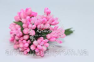 Тычинки ярко-розовые, 11-12 веточек в наборе