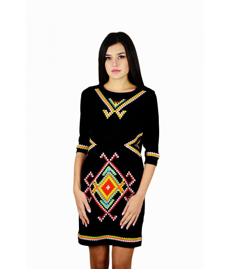 """Женское  вышитое черное платье  """"Таврия"""" М-1055-1"""